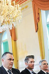 23.03.2016, Bundeskanzleramt, Wien, AUT, Überreichung des Großen Ehrenzeichens für Verdienste um die Republik Österreich an Marcel Hirscher, im Bild v.l.n.r. Bundesminister für Landesverteidigung und Sport Hans Peter Doskozil (SPÖ), Marcel Hirscher (AUT) und Bundeskanzler Werner Faymann (SPÖ) // f.l.t.r. Austrian Minister of Defence and Sport Hans Peter Doskozil, Austrian Skier Marcel Hirscher and Federal Chancellor of Austria Werner Faymann during awarding ceremony golden order of merit for services rendered to the Republic of Austria for Austrian ski racer Marcel Hirscher at federal chancellors office in Vienna, Austria on 2016/03/23, EXPA Pictures © 2016, PhotoCredit: EXPA/ Michael Gruber