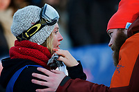 Snowboard , X-Games Oslo <br /> 27. Februar 2016  , 20160226<br /> Snowboard, Big Air Tøyen<br /> Jamie Anderson blødde og fikk tilsyn av lege etter at hun falt i damenes Big air snowboardfinale <br /> Foto: Sjur Stølen / Digitalsport
