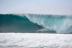 December 16, 2018 - Pupukea, Hawaii, U.S. - Joel Parkinson of Australia advances to round 4 after placing first in round 3 heat 9 of the Billabong Pipe Masters. (Credit Image: © Tony Heff/WSL via ZUMA Wire)