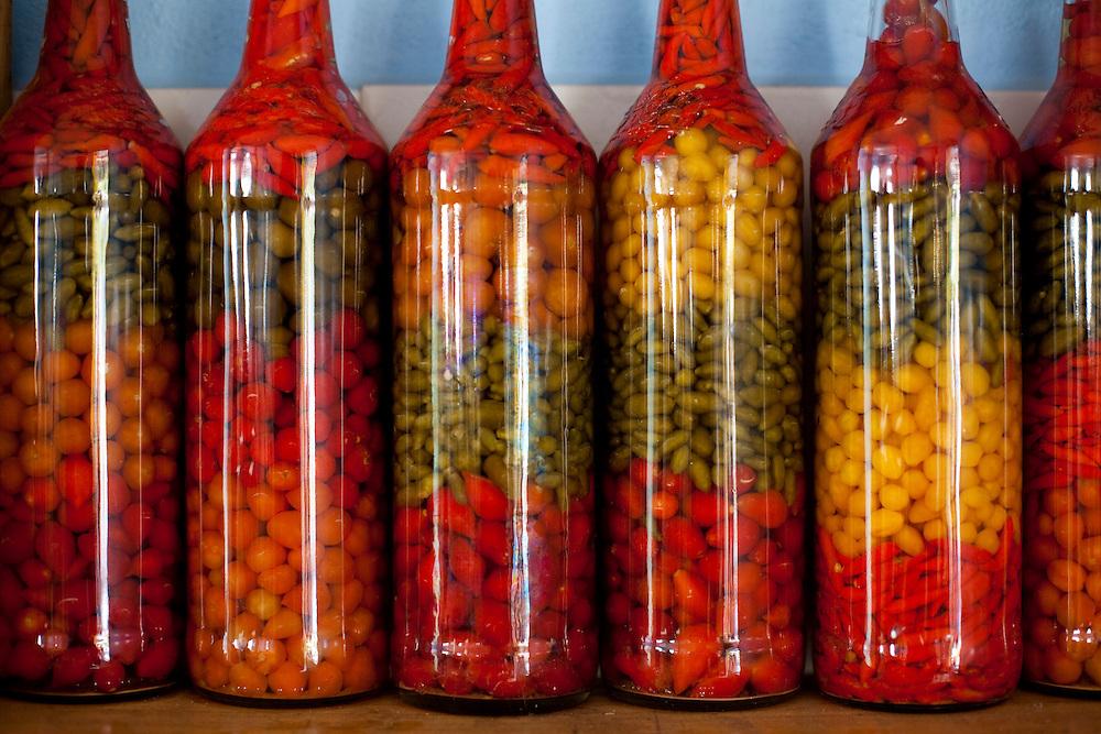 Tres Coracoes_MG, Brasil...Comercio de pimenta em Tres Coracoes...Pepper trade in Tres Coracoes...Foto: LEO DRUMOND / NITRO.....