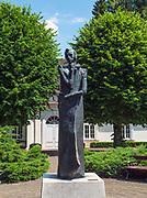 Pomnik Fryderyka Chopina w Parku Zdrojowym w Dusznikach-Zdroju, Polska<br /> Monument to Frederic Chopin in park, Duszniki-Zdrój, Poland