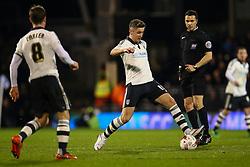 Tom Cairney of Fulham in action - Mandatory by-line: Jason Brown/JMP - Mobile 07966 386802 08/03/2016 - SPORT - FOOTBALL - Fulham, Craven Cottage - Fulham v Burnley - Sky Bet Championship