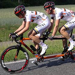 18-06-2017: Wielrennen: NK Paracycling: Montferlands-Heerenberg (NED) wielrennen  <br /> Vincent ter Schure-Timo Fransen in actie op het NK Tandem