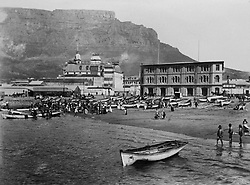 Cape Town. Historical pictures of Cape Town. Early days. Fish market. INDEPENDENT MEDIA ARCHIVES. LEGACY LEGACY SPECIAL RATES