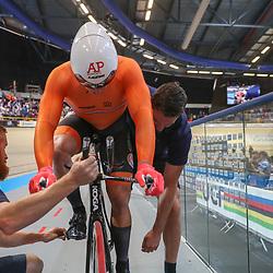 04-03-2018: Wielrennen: WK Baan: Apeldoorn<br />Jeffrey Hoogland pakt de wereldtitel op de kilometer