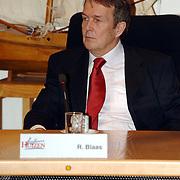 NLD/Huizen/20060403 - Installatie nieuwe burgemeester Frans van Gils gemeente Huizen, Leefbaar Huizen  raadslid R. Blaas
