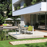 Modern Garden 834