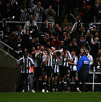 Photo: Andrew Unwin.<br /> Newcastle United v Manchester United. The Barclays Premiership. 01/01/2007.<br /> Newcastle celebrate James Milner's goal.