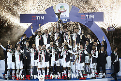 May 19, 2019 - Turin, Italy - Juventus team celebrate victory of italian Serie A championship after the Serie A football match n.37 JUVENTUS - ATALANTA on 19/05/2019 at the Allianz Stadium in Turin, Italy. (Credit Image: © Matteo Bottanelli/NurPhoto via ZUMA Press)