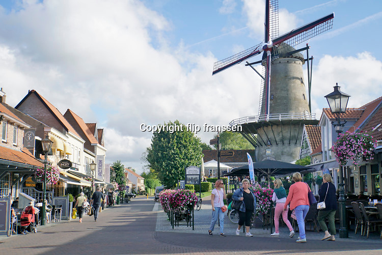 Nederland, Sluis, 15-9-2019  De stad in zeeuws vlaanderen is een toeristische hotspot voor zeeland ..Foto: ANP/ Hollandse Hoogte/ Flip Franssen