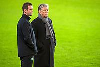 09/12/15      <br /> CELTIC TRAINING <br /> SUKRU SARACOGLU STADIUM - ISTANBUL<br /> Celtic Chief Executive Peter Lawwell (right) talks to Manager Ronny Deila