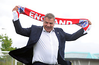 Football - 2016 / 2017 season - new England manager Sam Allarydce, first press conference<br /> <br /> New England Manager Sam Allarydce wears his England scarf at St George's Park, Burton upon Trent<br /> <br /> COLORSPORT/ANDREW COWIE