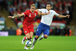 06.09.2011, Wembley Stadium, London, GBR, UEFA EURO 2012, Qualifikation, England vs Wales, im Bild Wales' Jack Collison and England's Frank Lampard during the UEFA Euro 2012 Qualifying Group G match at Wembley Stadium on 6/9/2011. EXPA Pictures © 2011, PhotoCredit: EXPA/ Propaganda Photo/ Chris Brunskill +++++ ATTENTION - OUT OF ENGLAND/GBR+++++