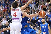 DESCRIZIONE : Berlino Berlin Eurobasket 2015 Group B Italy Serbia<br /> GIOCATORE :  Alessandro Gentile<br /> CATEGORIA :Passaggio difesa curiosità<br /> SQUADRA : Italy<br /> EVENTO : Eurobasket 2015 Group B <br /> GARA : Italy Serbia<br /> DATA : 10/09/2015 <br /> SPORT : Pallacanestro <br /> AUTORE : Agenzia Ciamillo-Castoria/I.Mancini <br /> Galleria : Eurobasket 2015 <br /> Fotonotizia : Berlino Berlin Eurobasket 2015 Group B Italy Serbia