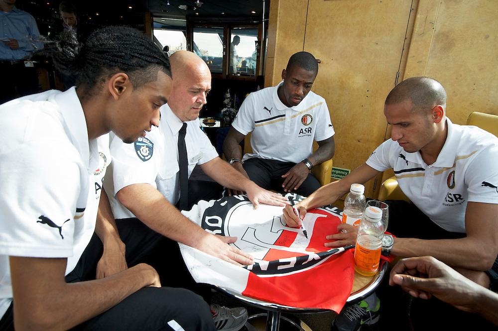 ROTTERDAM-26 september 2011-Feyenoord meets the Port. Jerson Cabral, Ruben Schaken en Karim El Ahmadi. Foto: Gerrit de Heus