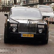 NLD/Amsterdam/20061111 - Huwelijk Christijan Albers en Liselore Kooijman, aankomst Liselore in een Rolls Royce