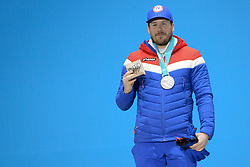 February 15, 2018 - Pyeongchang, South Korea - KJETIL JANSRUD of Norway with his silver medal from the Men's downhill event in the PyeongChang Olympic games. (Credit Image: © Christopher Levy via ZUMA Wire)