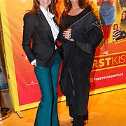 NLD/Amsterdam/20181122 - Premiere First Kiss, Leontien Ruiters - Borsato en Caroline de Bruin