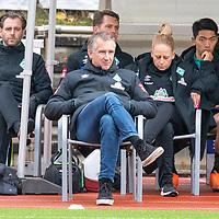 07.10.2020, wohninvest Weserstadion Platz 11, Bremen, GER, FSP SV WERDER BREMEN  vs 1. FC St. Pauli<br /> <br /> im Bild / picture shows <br /> <br /> Bank mit Frank Baumann (Geschäftsführer Fußball Werder Bremen) Kyu-Hyun Park (Werder Bremen II #52)<br /> Dr. Daniel Hellermann (Mannschaftsarzt Werder Bremen) (li)<br /> <br /> Foto © nordphoto / Kokenge