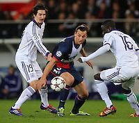 Zlatan Ibrahimovic of PSG - Paris St Germain and Sacha Kljestan of RSC Anderlecht and Cheikhou Kouyate of RSC Anderlecht