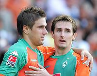 Fotball<br /> Bundesliga Tyskland<br /> Foto: Witters/Digitalsport<br /> NORWAY ONLY<br /> <br /> Jubel 2:1 v.l. Ivan Klasnic, Miroslav Klose Bremen<br /> Bundesliga SV Werder Bremen - Bayer 04 Leverkusen 2:1