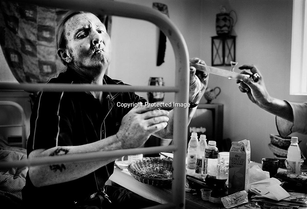 Søren ryger kokain med sin tidligere kæreste.<br /> <br /> Photo Carsten Snejbjerg