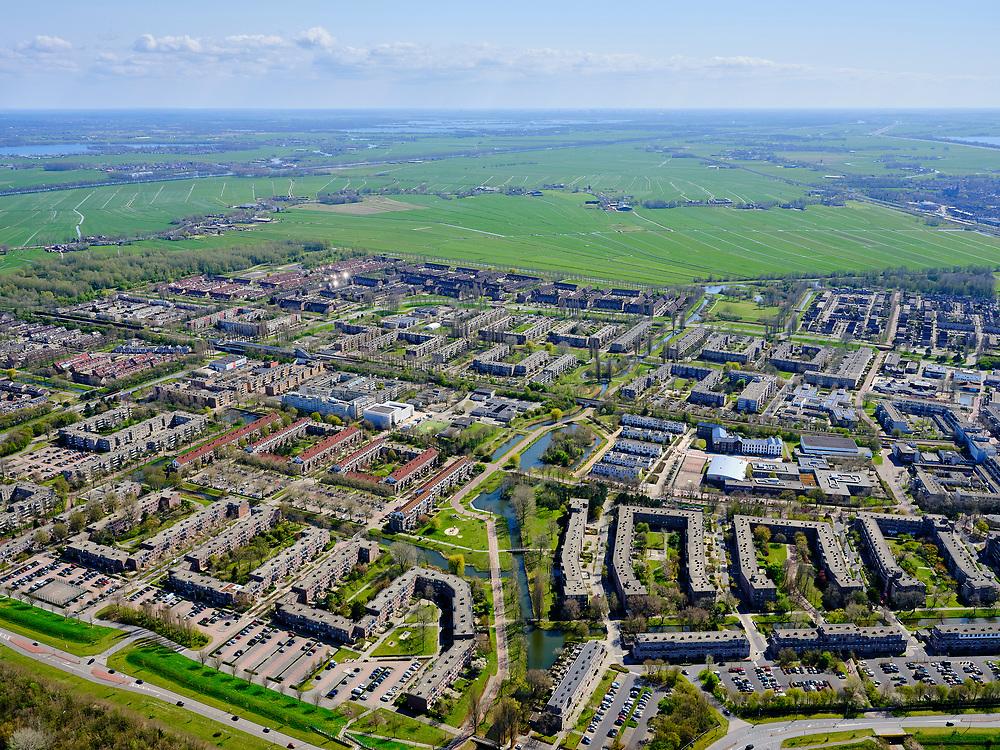 Nederland, Noord-Holland, Amsterdam; 17-04-2021; Amsterdam-Zuidoost, Gaasperdam en Gein. Grens van de stad Amsterdam, Gaasperzoom, groengebied Amstelland.<br /> Amsterdam Southeast, Gaasperdam and Gein. Border of the city of Amsterdam, Gaasperzoom, green area Amstelland.<br /> luchtfoto (toeslag op standaard tarieven);<br /> aerial photo (additional fee required)<br /> copyright © 2021 foto/photo Siebe Swart