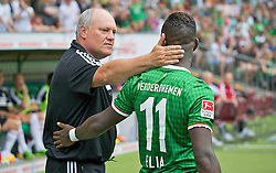 "28.07.2013, Weserstadion, Bremen, GER, 1.FBL, ""Tag der Fans 2013"" des SV Werder Bremen, Testspiel SV Werder Bremen vs Fulham FC, im Bild Martin Jol (Manager Fulham FC) mit Eljero Elia (SV Werder Bremen #11) // during the ""Tag der Fans 2013"" of the German Bundesliga Club SV Werder Bremen at the Weserstadion, Bremen, Germany on 2013/07/28. EXPA Pictures © 2013, PhotoCredit EXPA Andreas Gumz ***** ATTENTION - OUT OF GER *****"