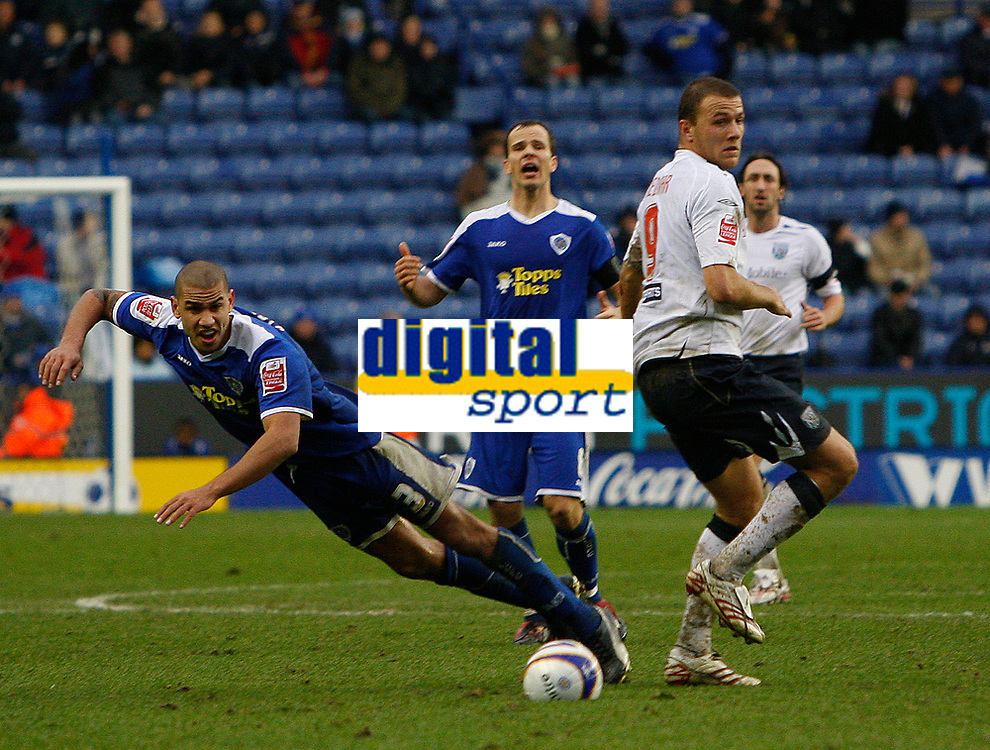 Photo: Steve Bond/Sportsbeat Images.<br /> Leicester City v West Bromwich Albion. Coca Cola Championship. 08/12/2007. Roman Bednar (R) nudges Patrick Kisnorbo (L) who falls under the challange