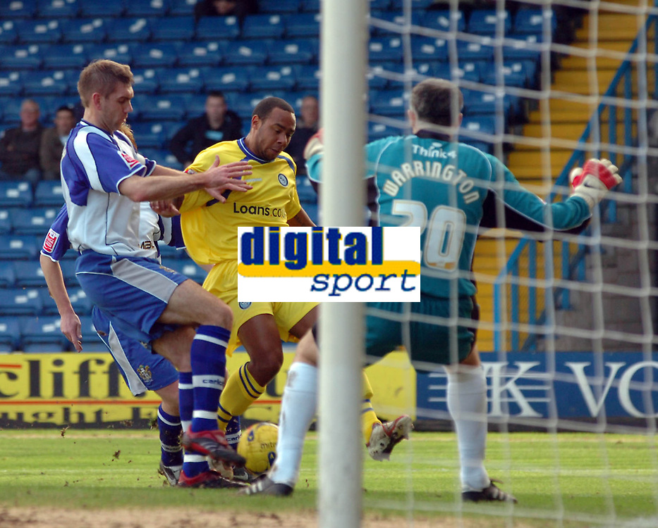 Photo: Paul Greenwood.<br />Bury FC v Wycombe Wanderers. Coca Cola League 2. 17/02/2007. Wycombe's Chris Palmer, centre, closes in on goal