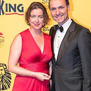 NLD/Scheveningen/20161030 - Premiere musical The Lion King, Hugo Haenen en partner Anke Knottenbelt