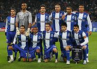 Fotball<br /> Champions League Hamburger SV - FC Porto 1:3<br /> 01.11.2006<br /> Foto: Witters/Digitalsport<br /> NORWAY ONLY<br /> <br /> Fussballteam FC Porto Lagbilde<br /> hinten v.l.Lisandro Lopez, Helton, Helder Postiga, Pepe, Bosingwa, Bruno Alves<br /> vorn v.l. Ricardo Quaresma, Paolo Assuncao, Raul Meireles, Fucile, Lucho Gonzalez