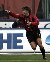 Milano 12-12-2004<br /> <br /> Campionato di calcio Serie A 2004-05<br /> <br /> Milan Fiorentina<br /> <br /> nella  foto Crespo esulta dopo il secondo gol del milan<br /> <br /> Hernan Crespo Milan celebrates his goal <br /> <br /> Foto Snapshot / Graffiti