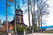 Kościół św. Anny w Zębie - drewniany kościoł z początków XX wieku.