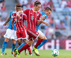 02.08.2017, Allianz Arena, Muenchen, GER, Audi Cup, FC Bayern Muenchen vs SSC Neapel, Spiel um Platz 3, im Bild Marco Friedl (FC Bayern Muenchen), Piotr Zielinski (SSC Napoli) // during the Audi Cup 3rd place Match between FC Bayern Munich  and SSC Napoli at the Allianz Arena, Munich, Germany on 2017/08/02. EXPA Pictures © 2017, PhotoCredit: EXPA/ JFK