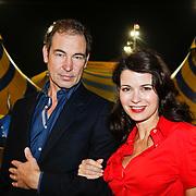 NLD/Amsterdam/20101007 - Europesche premiere Cirque du Soleil Totem, Caroline de Bruijn en partner Erik de Vogel