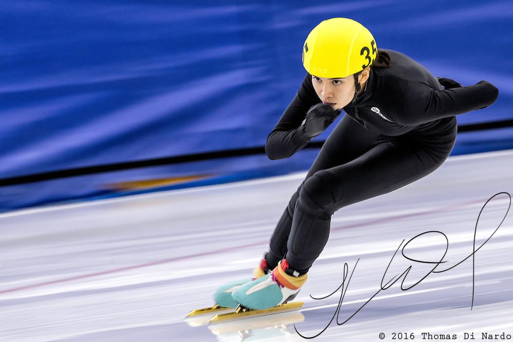 December 17, 2016 - Kearns, UT - Sarah Berg skates during US Speedskating Short Track Junior Nationals and Winter Challenge Short Track Speed Skating competition at the Utah Olympic Oval.