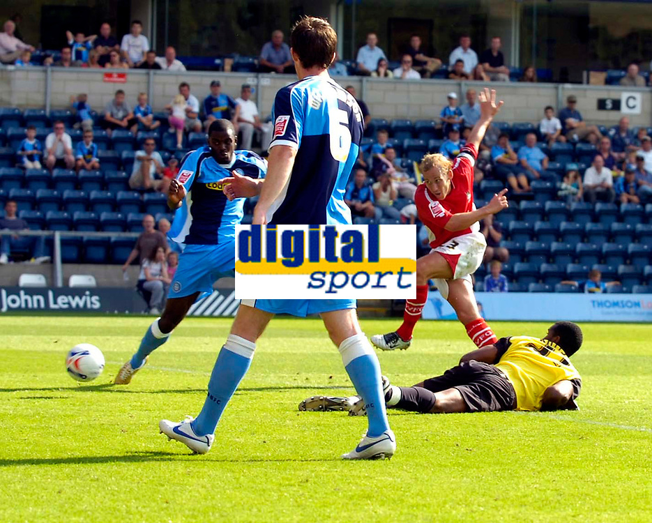 Photo: Alan Crowhurst.<br />Wycombe Wanderers v Wrexham. Coca Cola League 2.<br />05/08/2006. Wrexham's Neil Roberts shoots with the keeper stranded but can't manage to score.