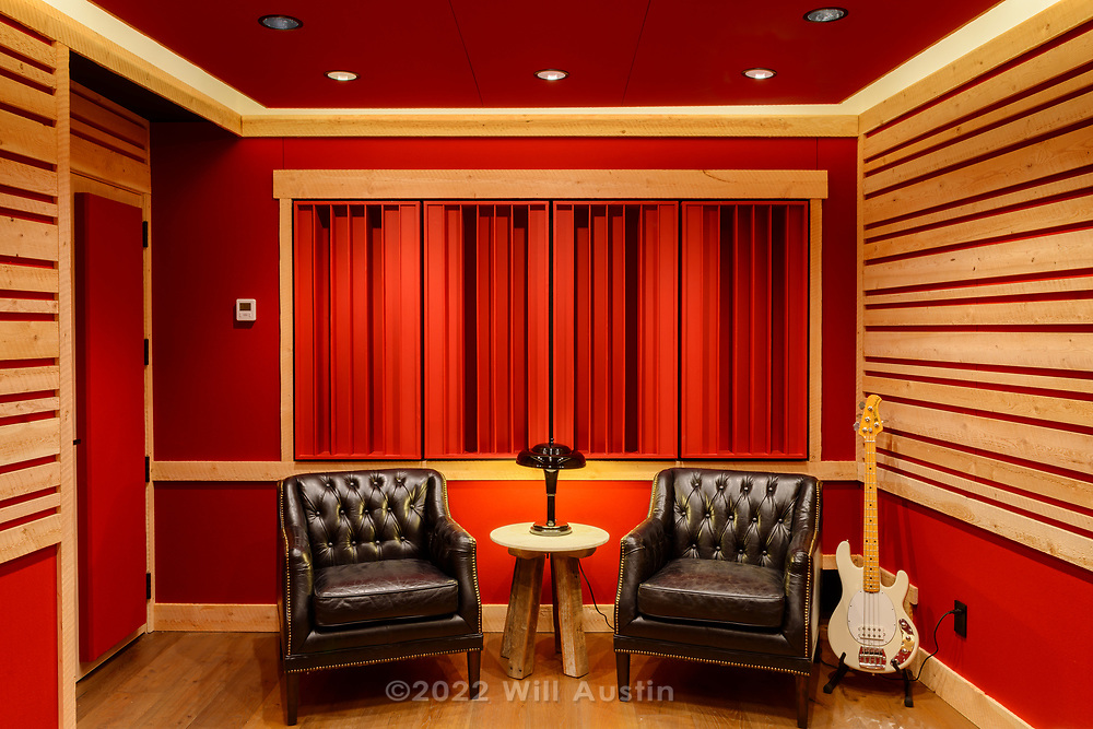 Project by Syndicate Smith LLC and Walker Construction, syndicatesmith.com walkerconstructioninc.com
