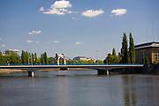 Wrocław, 2007-05-01. Most Pokoju, widok z Ostrowa Tumskiego