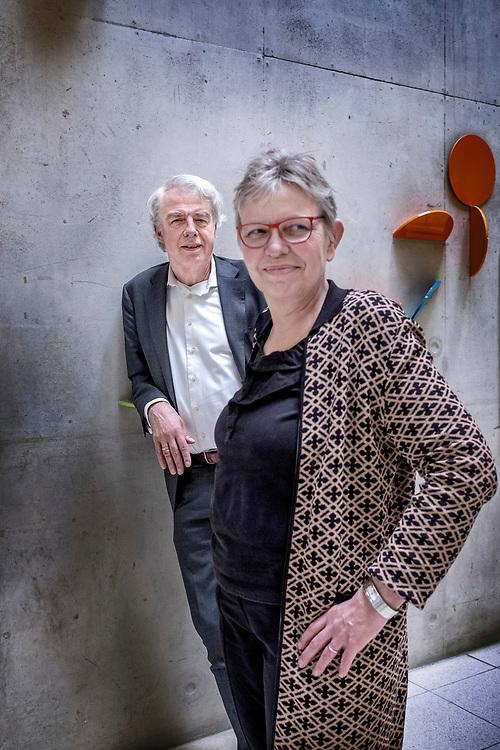 Nederland. Amsterdam, 26-02-2019. Foto: Patrick Post. Portret van theoloog Smalbrugge, links, en genetica Martina Corne, rechts.