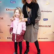 NLD/Amsterdam/20200201 - Premiere Kruimeltje en de Strijd om de Goudmijn, Anne Appelo met haar nichtje