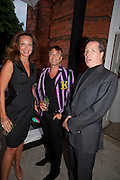 ISABELLE DE LA BRUYERE; JULIAN MACDONALD; VISCOUNT LINLEY, Alexandra Shulman, Editor of Vogue & Phil Popham, Managing Director of Land Rover<br /> host the 40th Anniversary of Range Rover. The Orangery at Kensington Palace. London. 1 July 2010. -DO NOT ARCHIVE-© Copyright Photograph by Dafydd Jones. 248 Clapham Rd. London SW9 0PZ. Tel 0207 820 0771. www.dafjones.com.