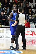 DESCRIZIONE: Varese Lega A 2015-16 <br /> Openjobmetis Varese vs Enel Brindisi <br /> GIOCATORE: Durand Scott<br /> CATEGORIA: proteste<br /> SQUADRA: Enel Brindisi<br /> EVENTO: Campionato Lega A 2015-2016<br /> GARA: Openjobmetis Varese Enel Brindisi<br /> DATA: 20.03.2016<br /> SPORT: Pallacanestro<br /> AUTORE: Agenzia Ciamillo-Castoria/A. Ossola<br /> Galleria: Lega Basket A 2015-2016<br /> Fotonotizia: Varese Lega A 2015-16 <br /> Openjobmetis Varese Enel Brindisi