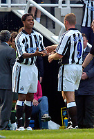Fotball<br /> Treningskamper England<br /> 01.08.2004<br /> Foto: SBI/Digitalsport<br /> NORWAY ONLY<br /> <br /> Newcastle United v Sporting Lisbon<br /> <br /> New for old, as Patrick Kluivert makes his Newcastle debut as a replacement for Alan Shearer