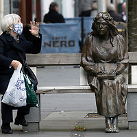 Fair Maid Statue Face Mask