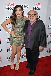 Danny DeVito & Lucy DeVito bei der The Comedian Premiere in Los Angeles / 111116 ***The Comedian premiere, Los Angeles, 11 Nov 2016 ***