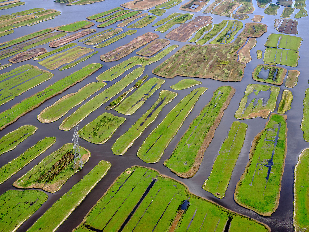 Nederland, Noord-Holland, Zaanstad, 07-05-2021; Polder Oostzaan, verkaveling.<br /> <br /> luchtfoto (toeslag op standaard tarieven);<br /> aerial photo (additional fee required)<br /> copyright © 2021 foto/photo Siebe Swart.