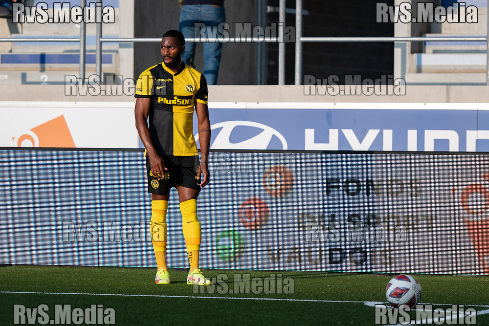 LAUSANNE, SWITZERLAND - SEPTEMBER 22: Ulisses Garcia #21 of BSC Young Boys looks on during the Swiss Super League match between FC Lausanne-Sport and BSC Young Boys at Stade de la Tuiliere on September 22, 2021 in Lausanne, Switzerland. (Photo by Basile Barbey/RvS.Media/)