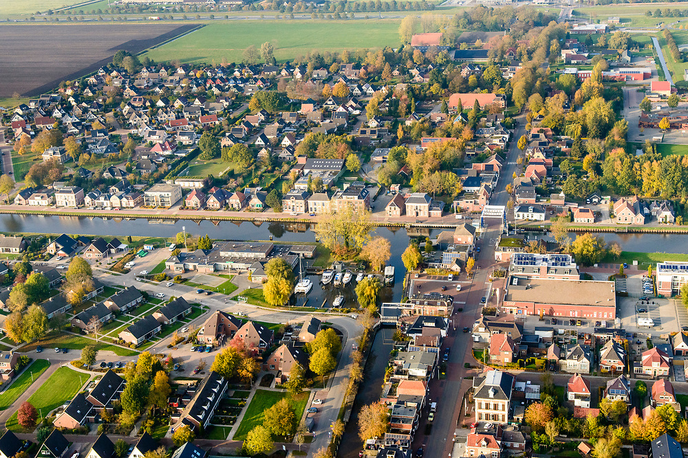 Nederland, Groningen, Midden-Groningen, 04-11-2018; Zuidbroek, kruising Winschoterdiep en Muntendammerdiep.<br /> <br /> luchtfoto (toeslag op standaard tarieven);<br /> aerial photo (additional fee required);<br /> copyright© foto/photo Siebe Swart